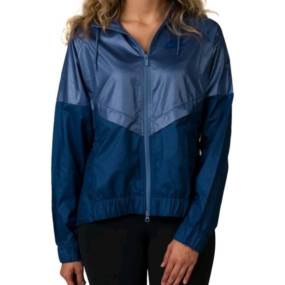 32331a9286 NEW w  tags Nike Windrunner Jacket - Blue MEDIUM